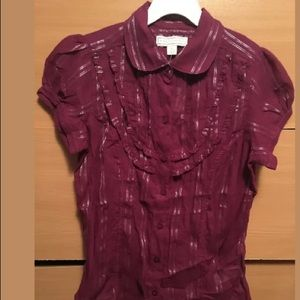 Short sleeve button up top, size S
